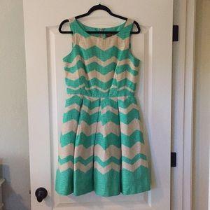 Taylor Dress 8 Women's. EUC!